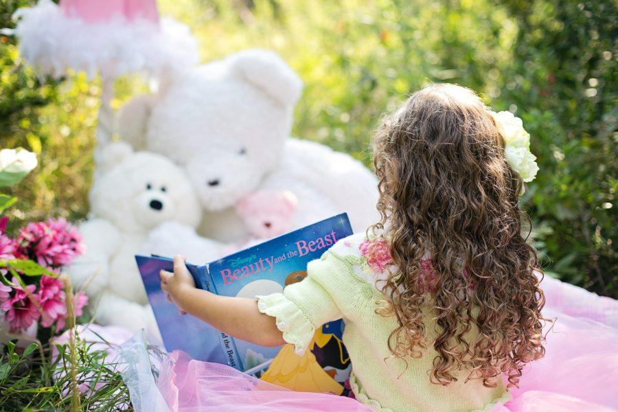 Kind liest gerne